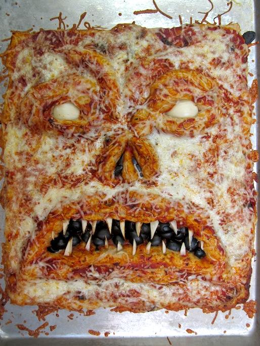 20121031-necronomicon-halloween-pizza