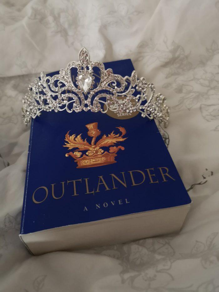 metime, outlander, bok, tiara